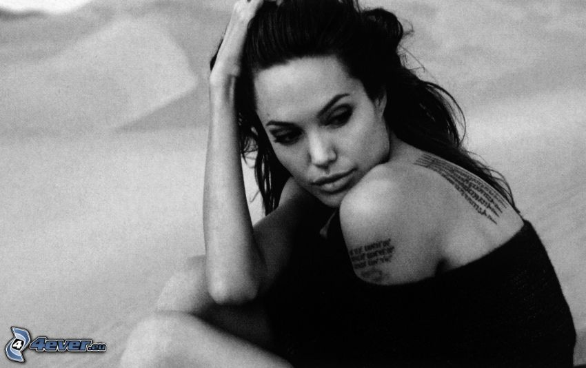 Angelina Jolie, tatouage