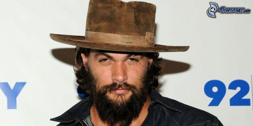 Jason Momoa, chapeau