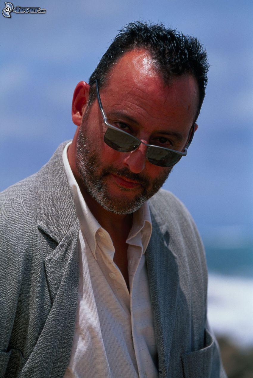 Jean Reno, lunettes de soleil, regard