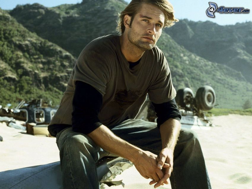 Josh Holloway, collines