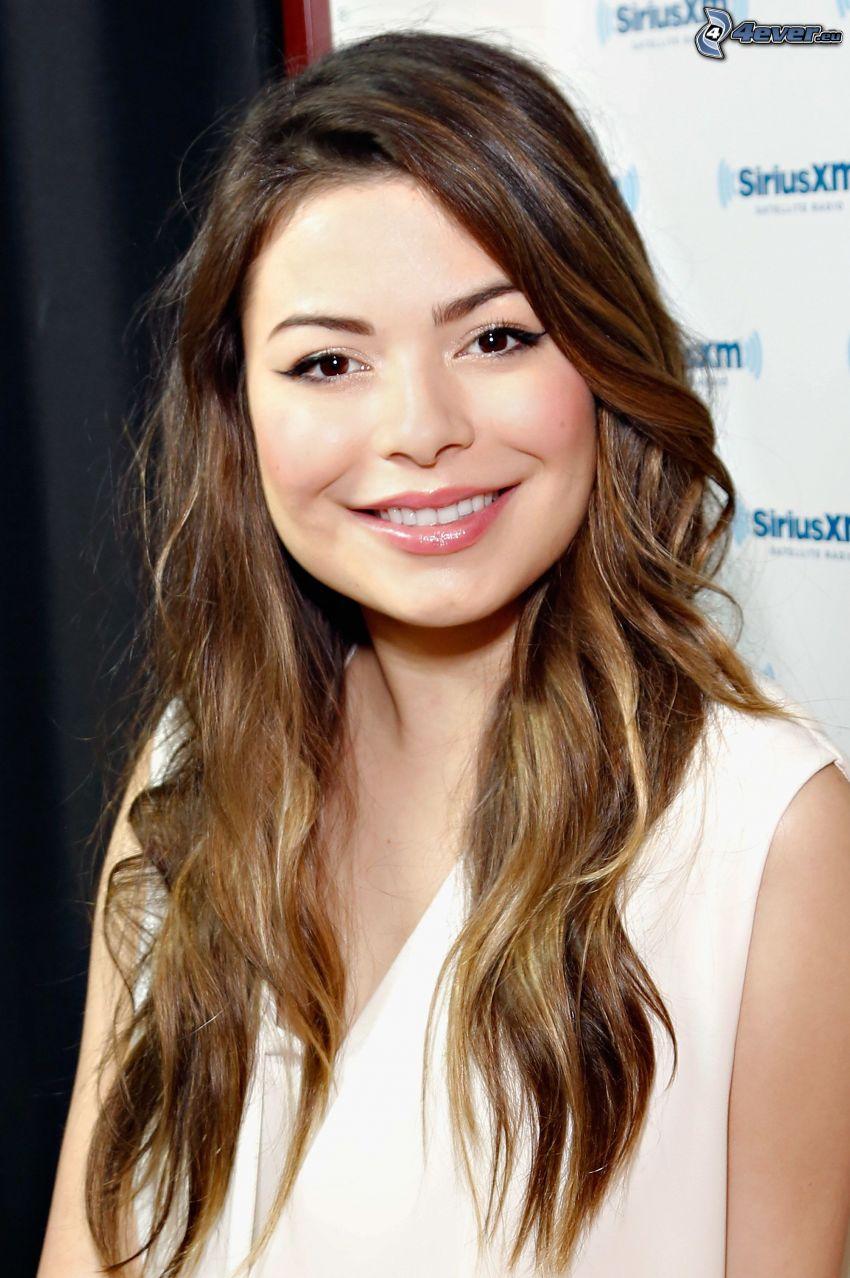 Miranda Cosgrove, sourire
