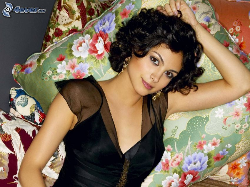 Morena Baccarin, oreillers