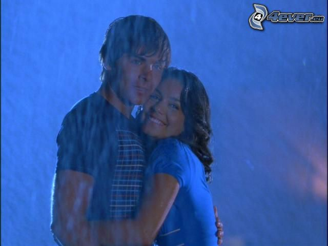 Vanessa Hudgens, Zac Efron, cinéma, pluie