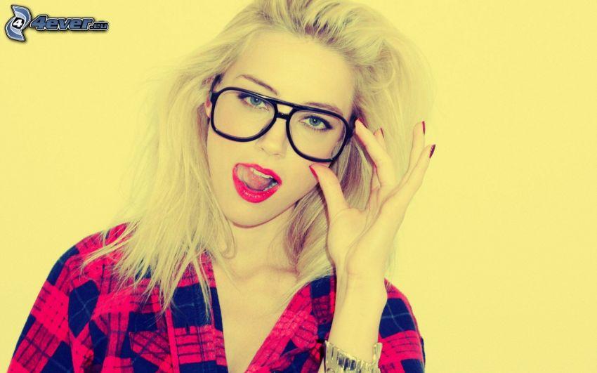 blonde, lunettes