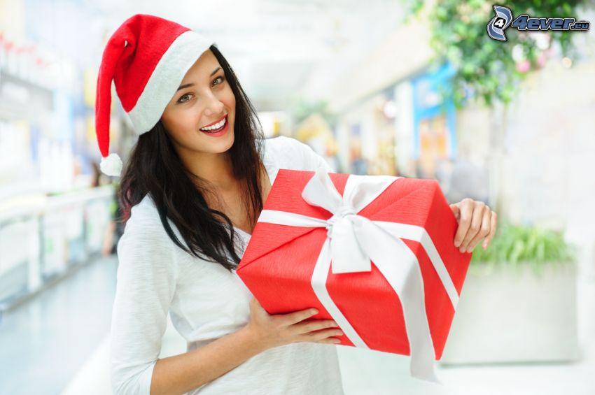 brune, chapeau de Noel, cadeau
