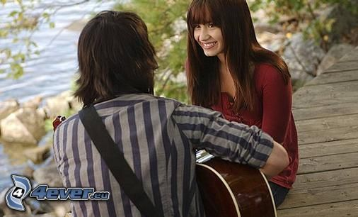 couple au bord du lac, sourire, amour