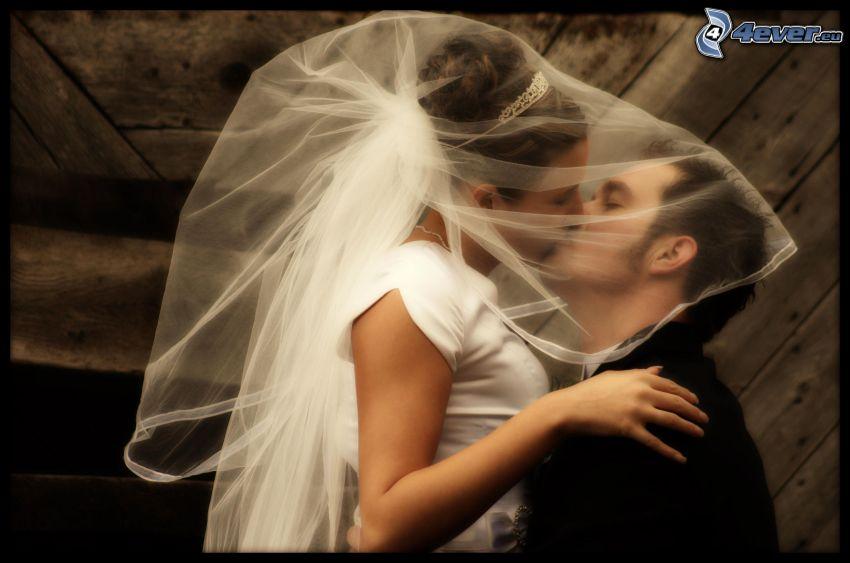 couple de mariage, baiser