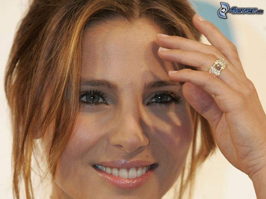 Elsa Pataky, anneau, sourire