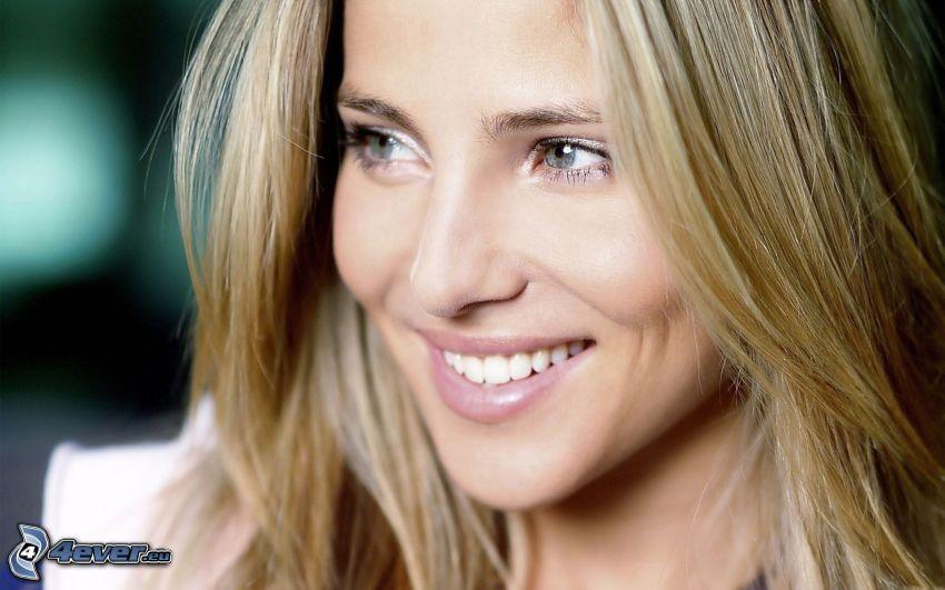 Elsa Pataky, sourire
