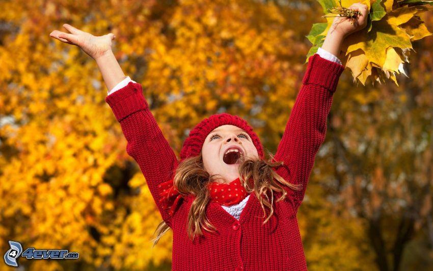 fille, joie, les feuilles d'automne