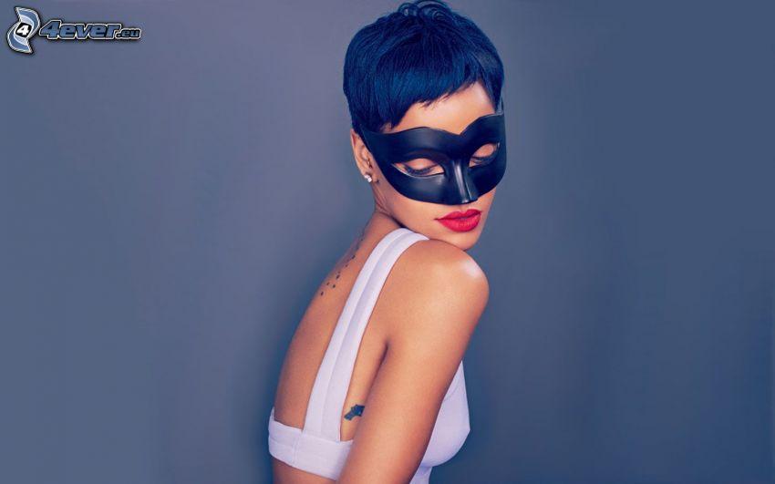 Rihanna, Masque