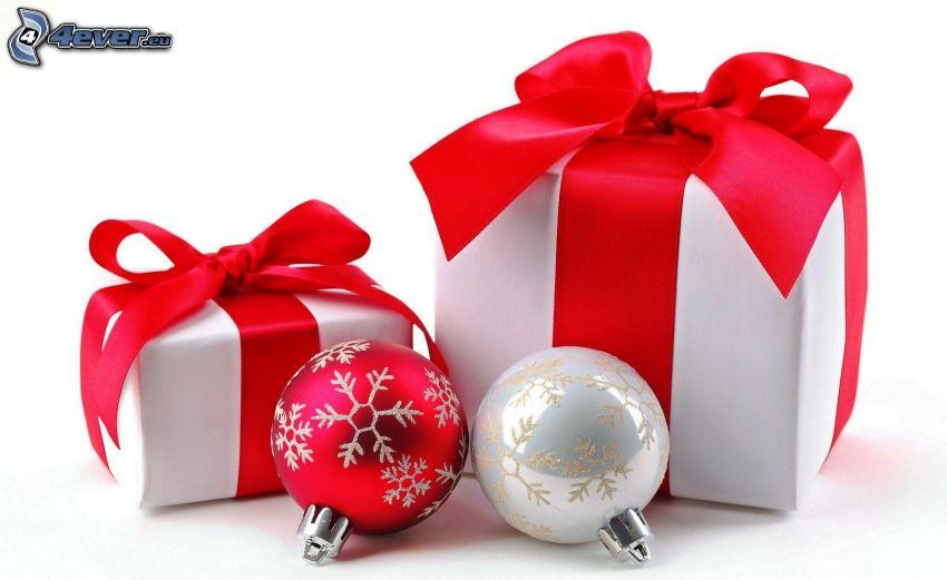 boules de Noël, cadeaux