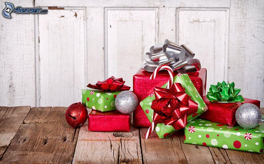cadeaux, boules de Noël