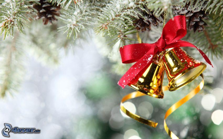 cloche de Noël, aiguilles d'arbres