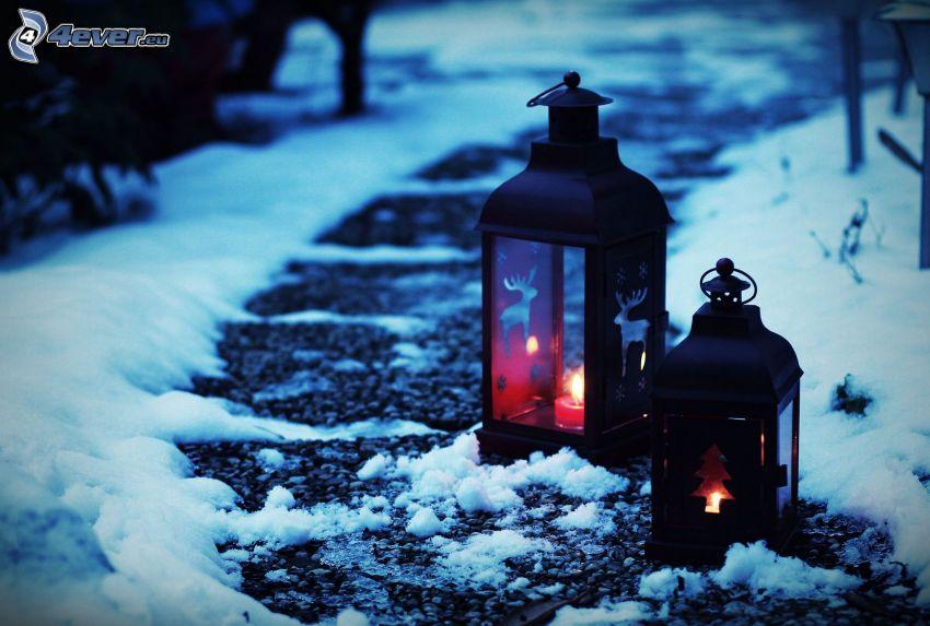 lampions, trottoir, neige, renne, arbre de Noël