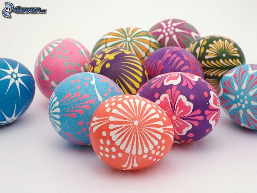 des oeufs peints, oeufs de Pâques