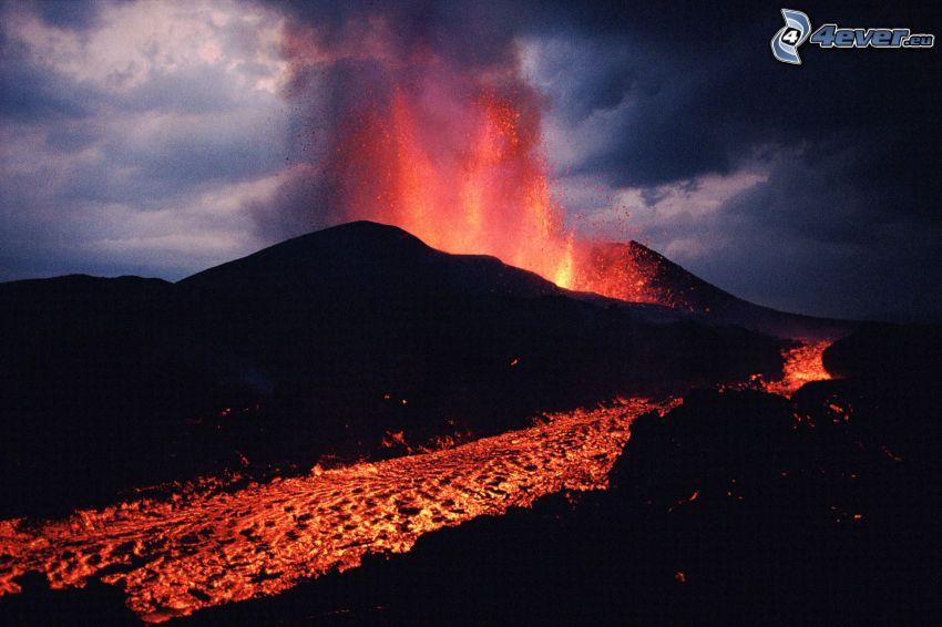 éruption du volcan, lave