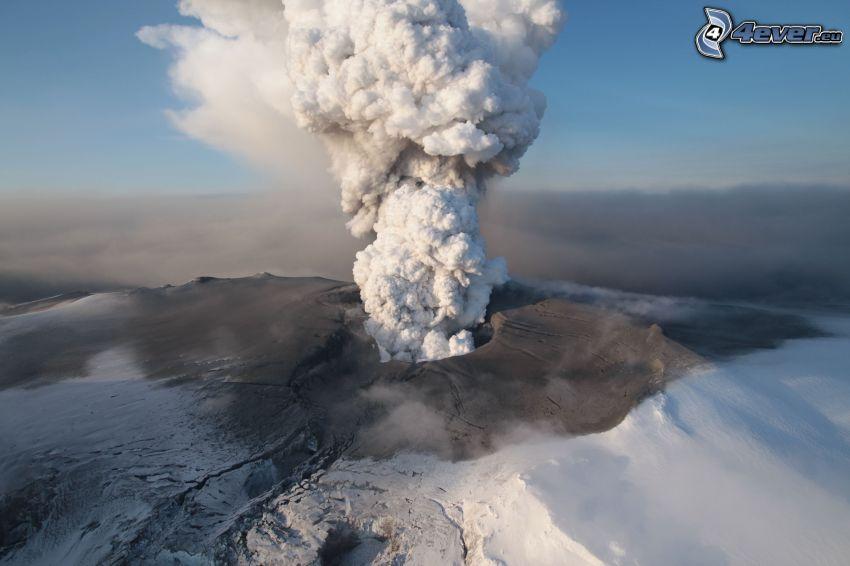 éruption du volcan, neige