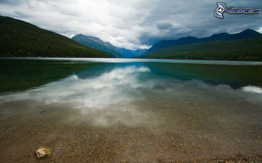 lac, collines
