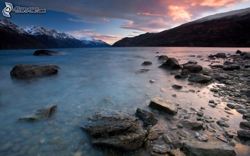 lac, pierres, collines