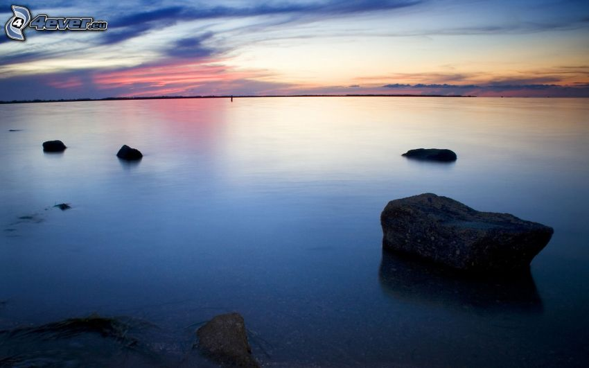 mer, ciel du soir, pierres