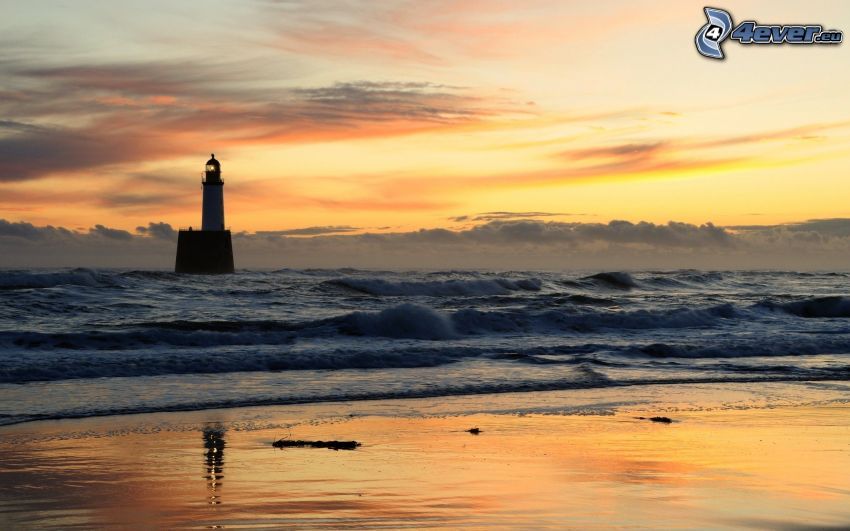 phare sur l'île, mer, plage, ciel jaune