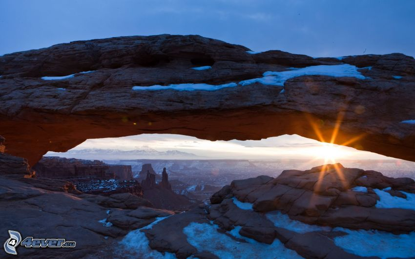 Mesa Arch, Canyonlands National Park, pont naturel, coucher du soleil, porte de roche, Utah, USA