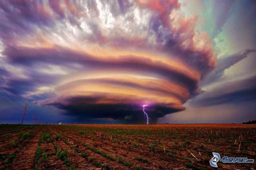 nuages d'orage, foudre, champ
