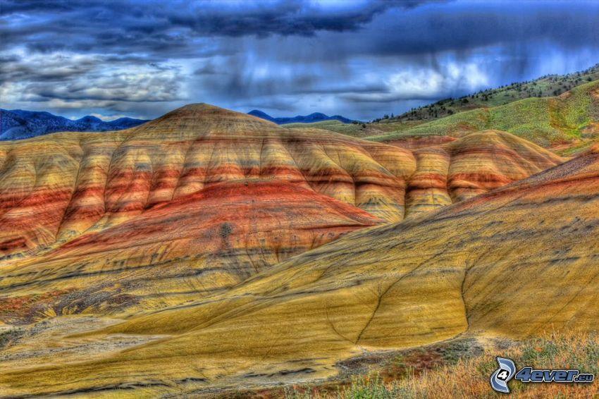 Painted Hills, nuages, pluie, Oregon, USA