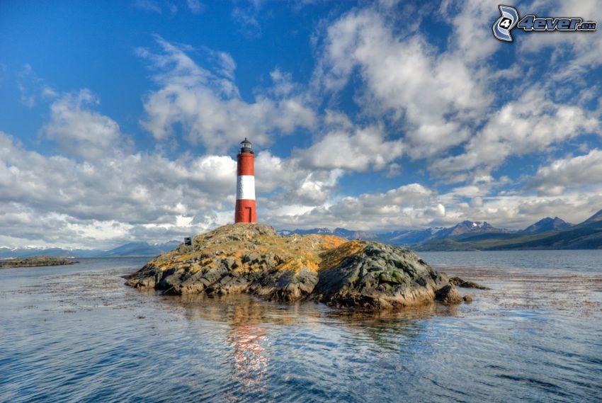 phare sur l'île, mer, nuages