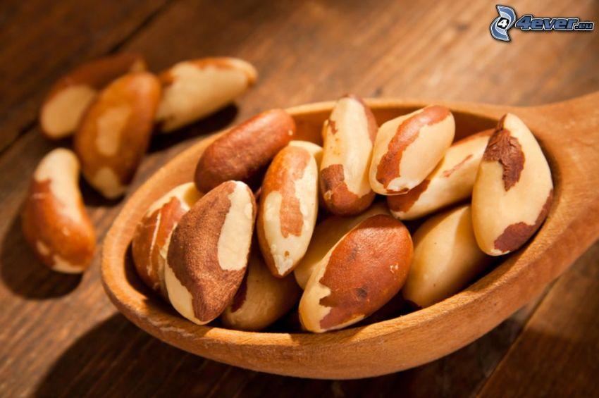 noix du Brésil, cuillère