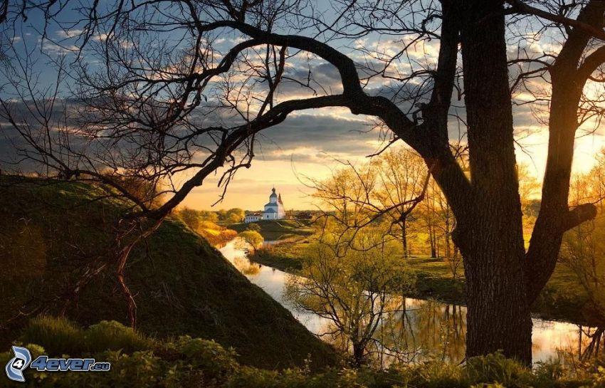 rivière, arbre, arbres jaunes, église, coucher du soleil