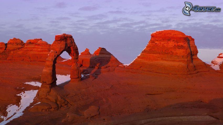 rochers du désert, neige, porte de roche