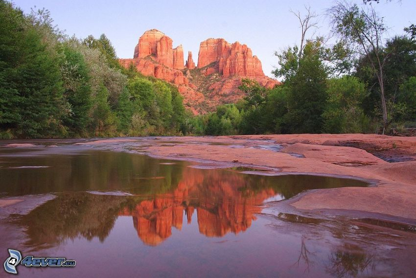 Sedona - Arizona, rivière, forêt, rochers