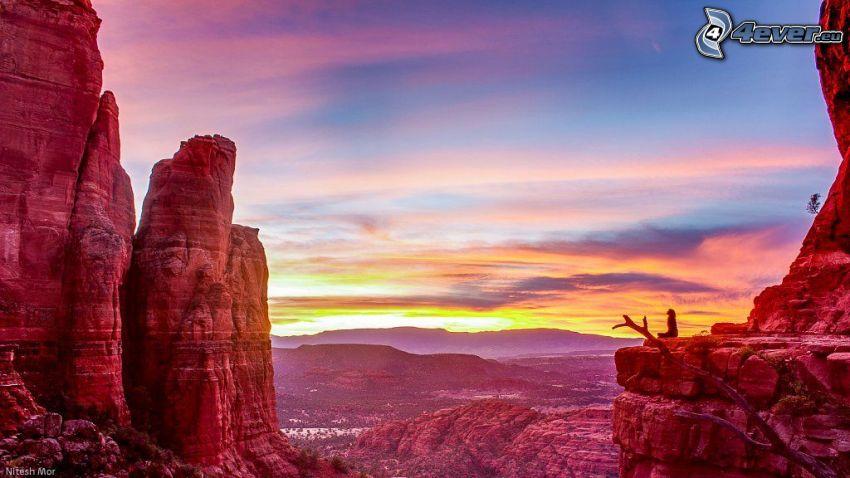 Sedona - Arizona, rochers, falaise, après le coucher du soleil