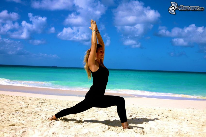 gymnastique, yoga, plage de sable, ouvert mer