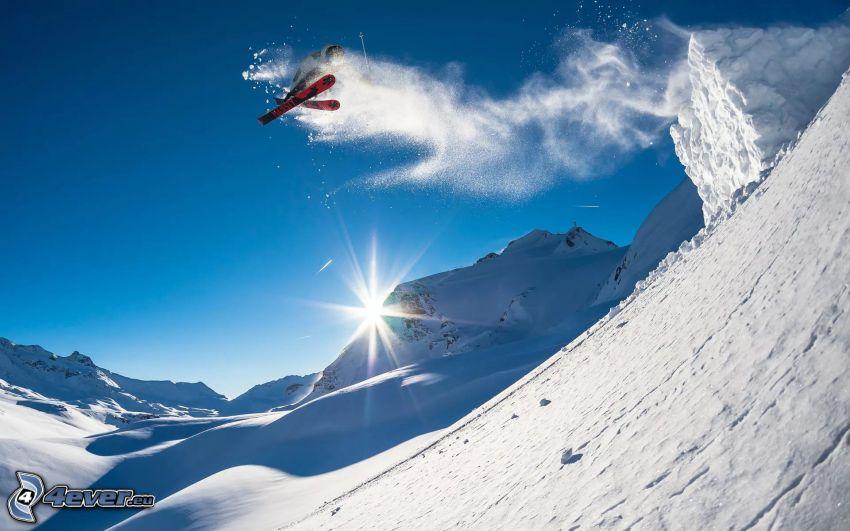 ski extrême, ski saute, montagnes enneigées