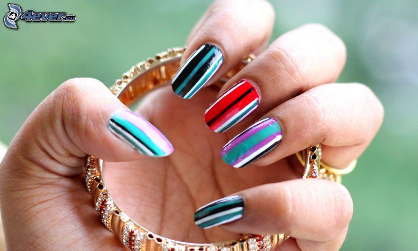 ongles peints, bracelet, main