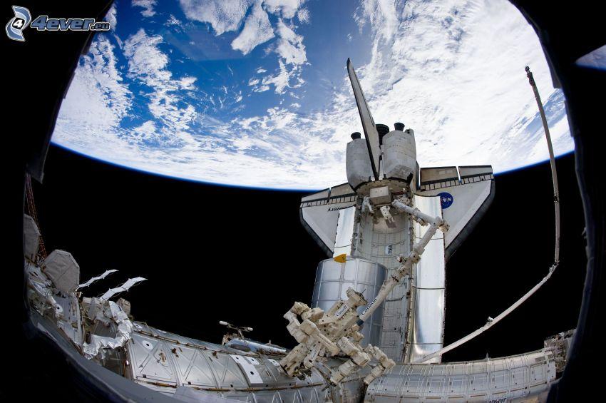 La Terre vue de l'ISS, navette spatiale
