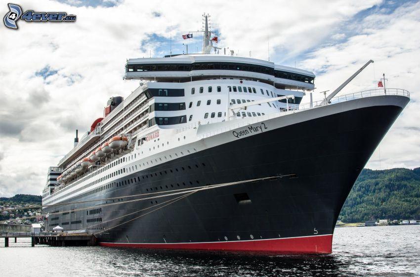 Queen Mary 2, Bateau de luxe
