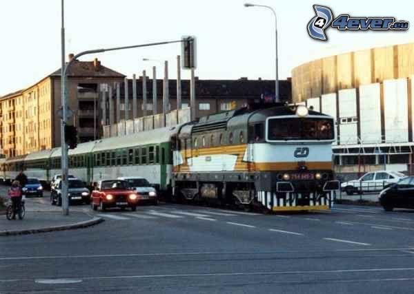 Brno, train, rue, voitures
