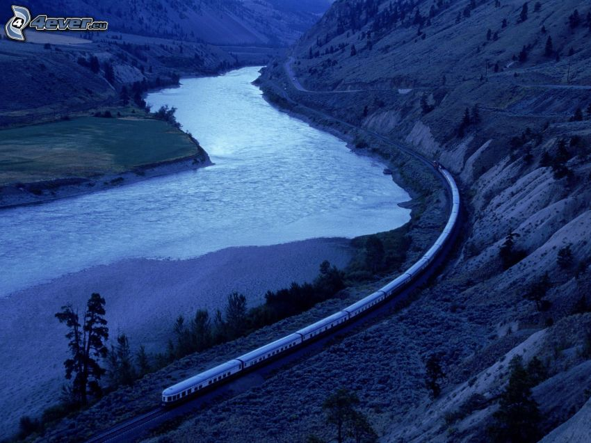 Orient Express Américaine, train, rivière, Colombie-Britannique