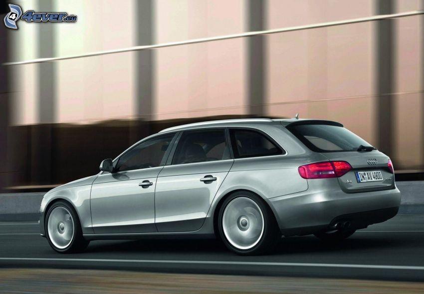 Audi A4, la vitesse