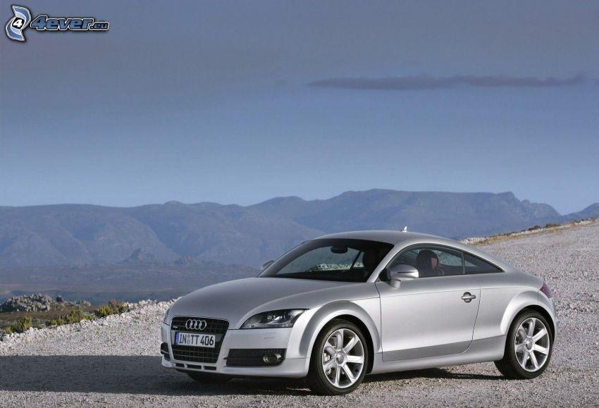 Audi TT, collines