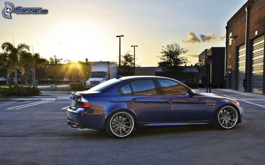 BMW M3, coucher du soleil