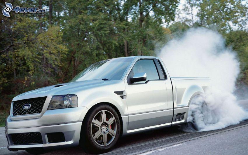 Ford F150 raptor, burnout, fumée