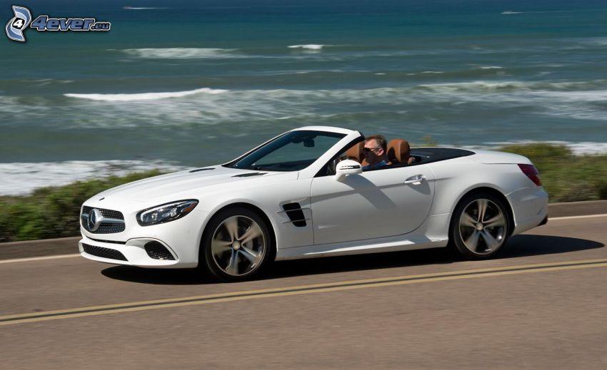 Mercedes SL, cabriolet, ouvert mer, la vitesse