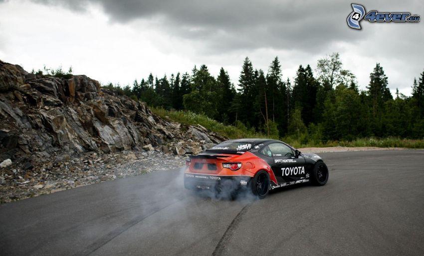 Toyota, fumée