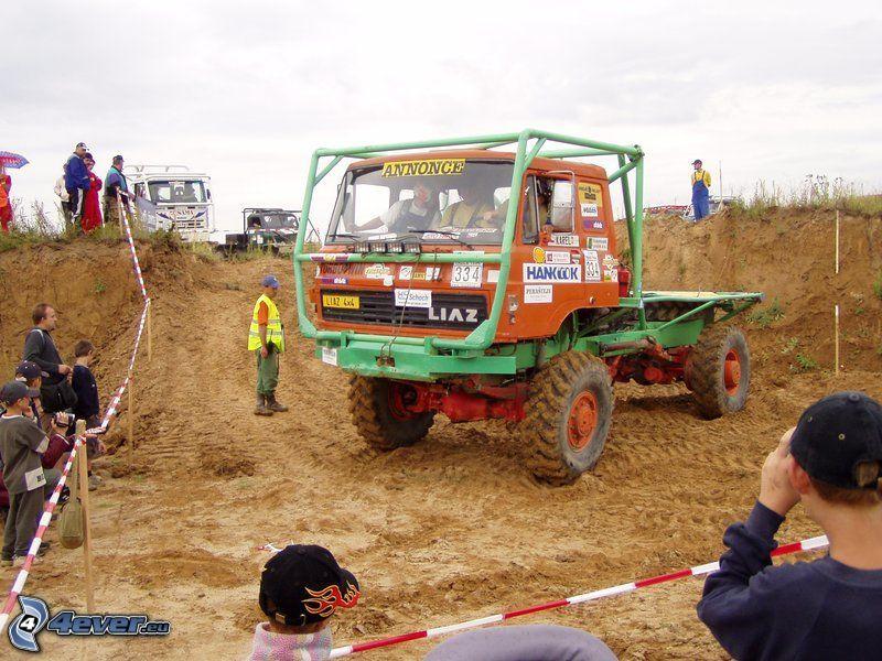 Liaz, off road, hors-route voiture, terrain, boue
