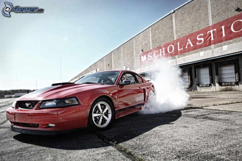 Ford Mustang, burnout, fumée
